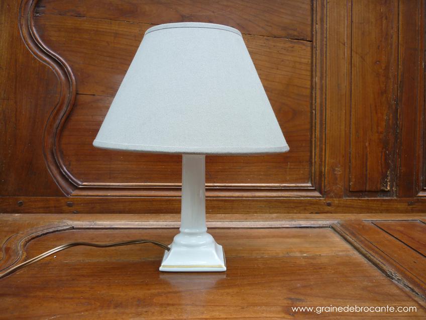 paire de pieds de lampe en porcelaine de limoges avec filet or. Black Bedroom Furniture Sets. Home Design Ideas
