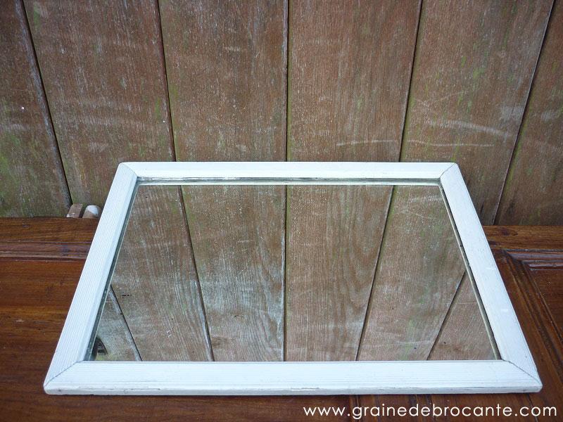 miroir ancien en bois peint. Black Bedroom Furniture Sets. Home Design Ideas
