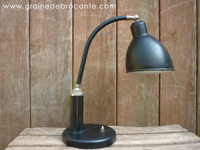 Tr s belle lampe de bureau avec un pied de style bauhaus - Lampe de bureau style new york ...