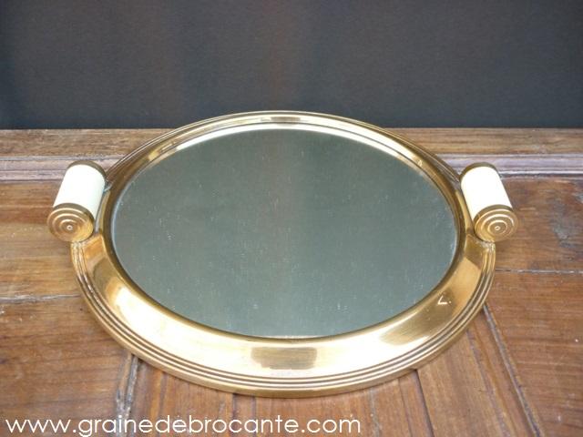 plateau rond avec son miroir des ann es 40 r ve de brocante. Black Bedroom Furniture Sets. Home Design Ideas