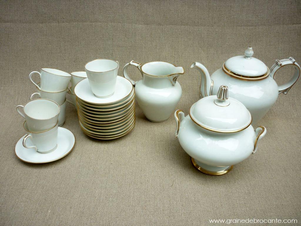 service caf ancien en porcelaine et filet or. Black Bedroom Furniture Sets. Home Design Ideas