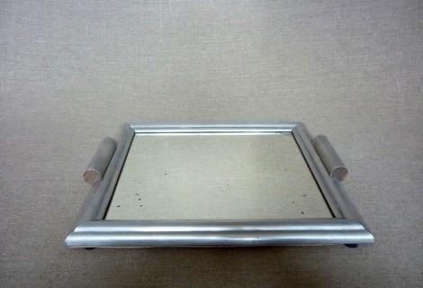 plateau miroir en fer vintage. Black Bedroom Furniture Sets. Home Design Ideas