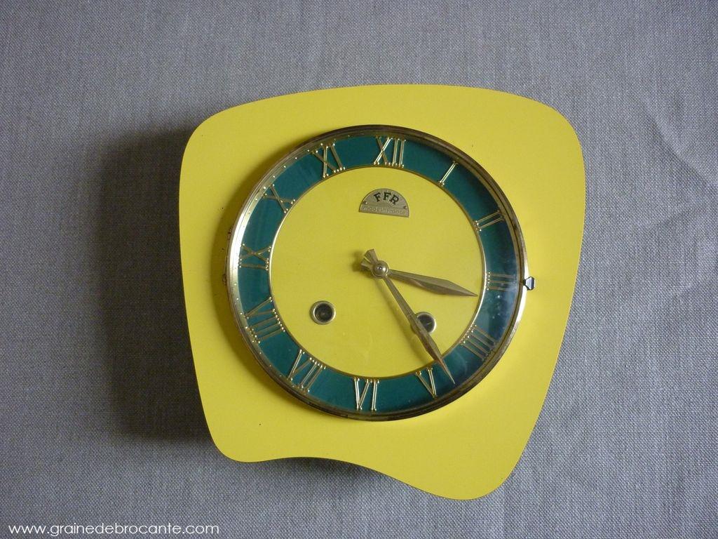 Pendule de cuisine jaune ann es 50 en formica - Pendule de cuisine ...