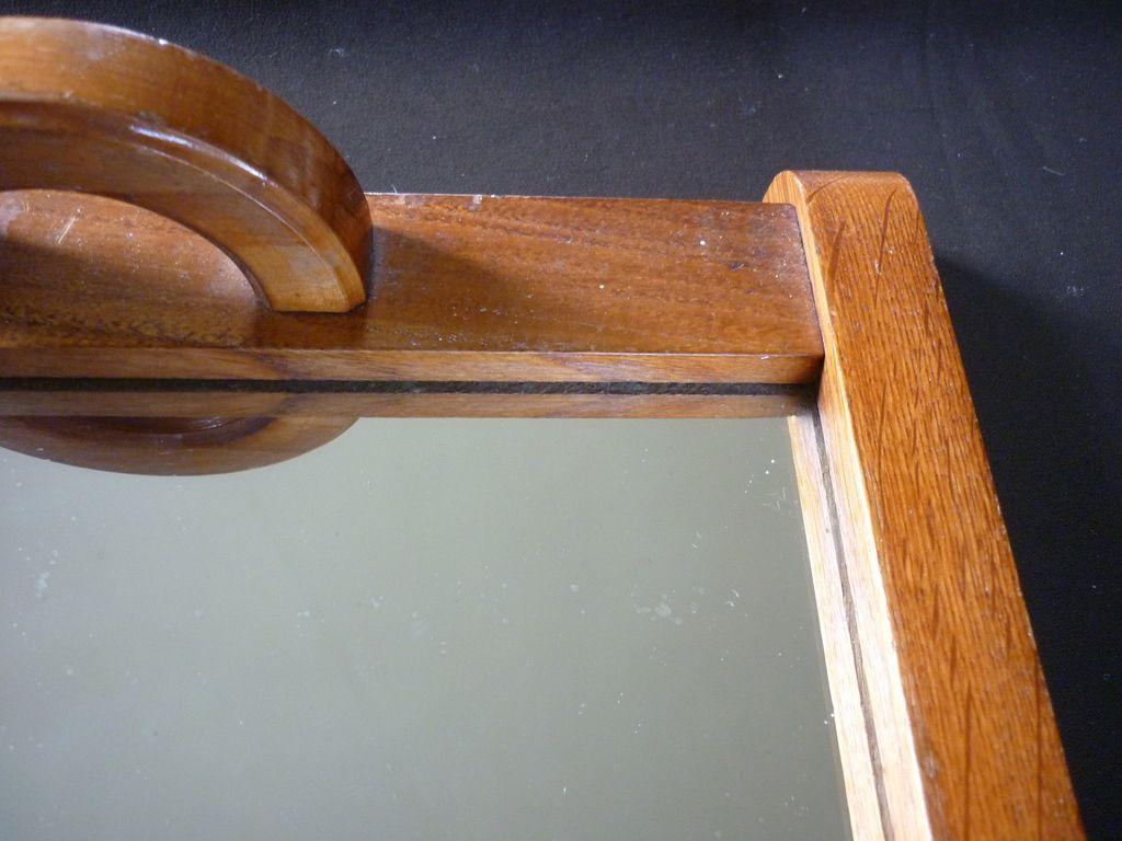 joli plateau en bois avec son miroir ancien des ann es 50. Black Bedroom Furniture Sets. Home Design Ideas
