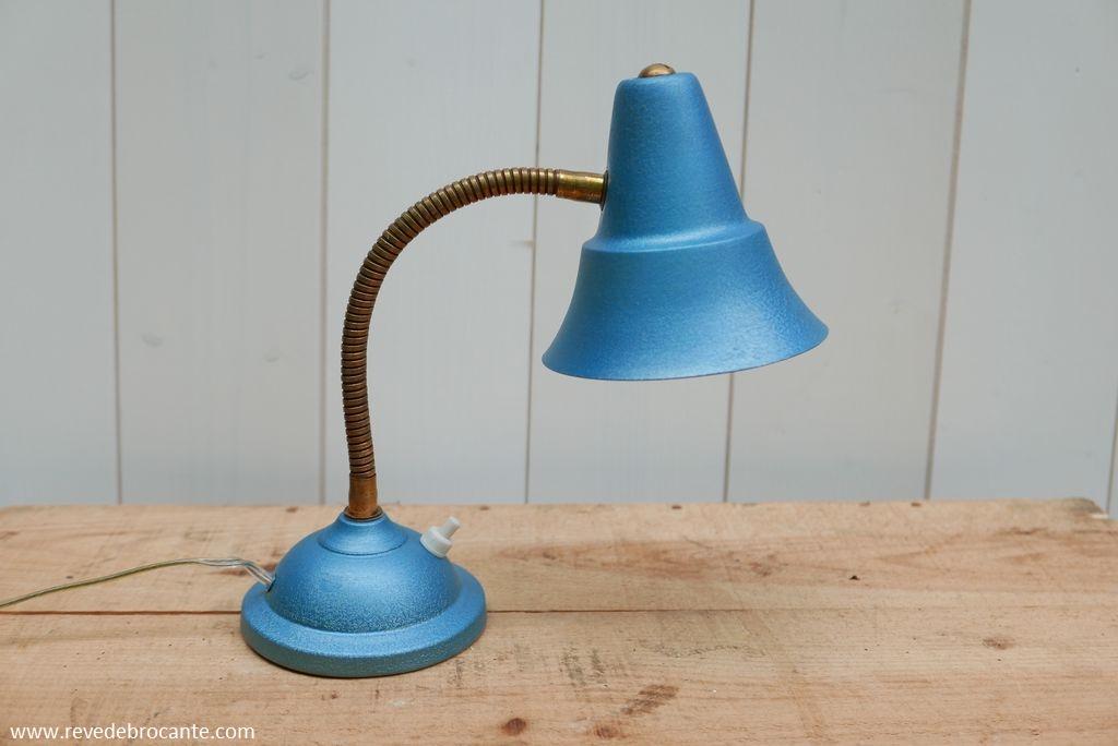 lampe de chevet vintage m talis e bleue. Black Bedroom Furniture Sets. Home Design Ideas