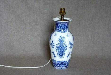 lampe signée Gien bleu et blanc