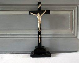 crucifix janseniste en bois et os ancien