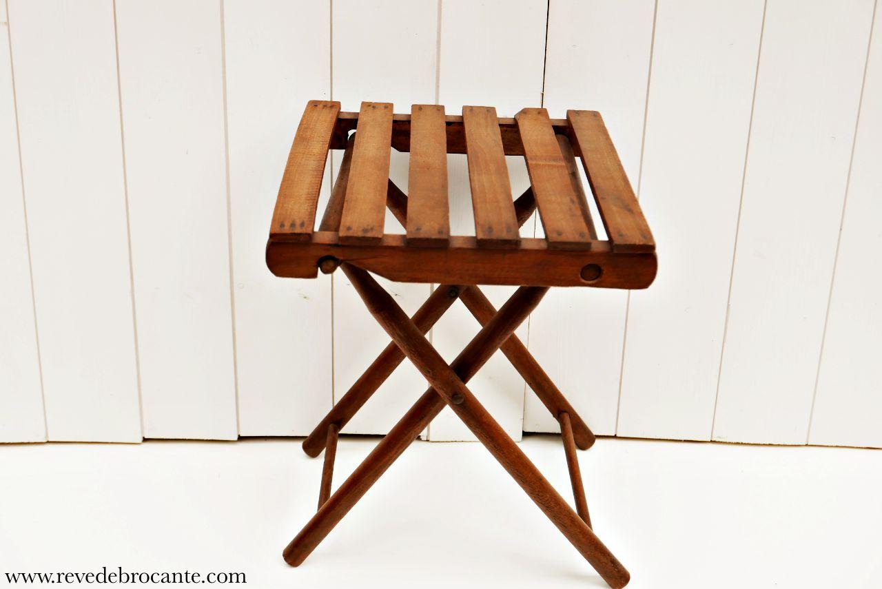 tabouret pliant en bois r ve de brocante. Black Bedroom Furniture Sets. Home Design Ideas