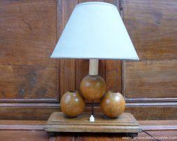 lampe en bois vintage