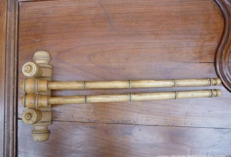 porte serviette en pin fa on bambou ancien. Black Bedroom Furniture Sets. Home Design Ideas