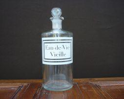 bouteille d'eau de vie