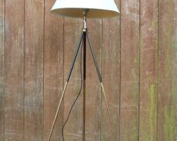Pied photo transformé en lampadaire