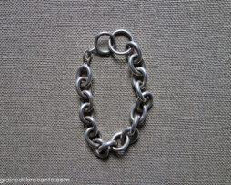 bracelet en métal argenté style Hermès