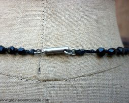 collier en jais ancien