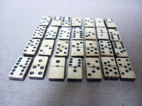jeu de dominos ancien
