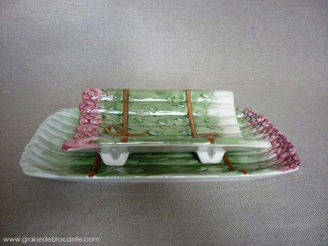 Plat à asperges en barbotine
