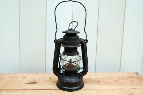 Petite lampe à pétrole ancienne