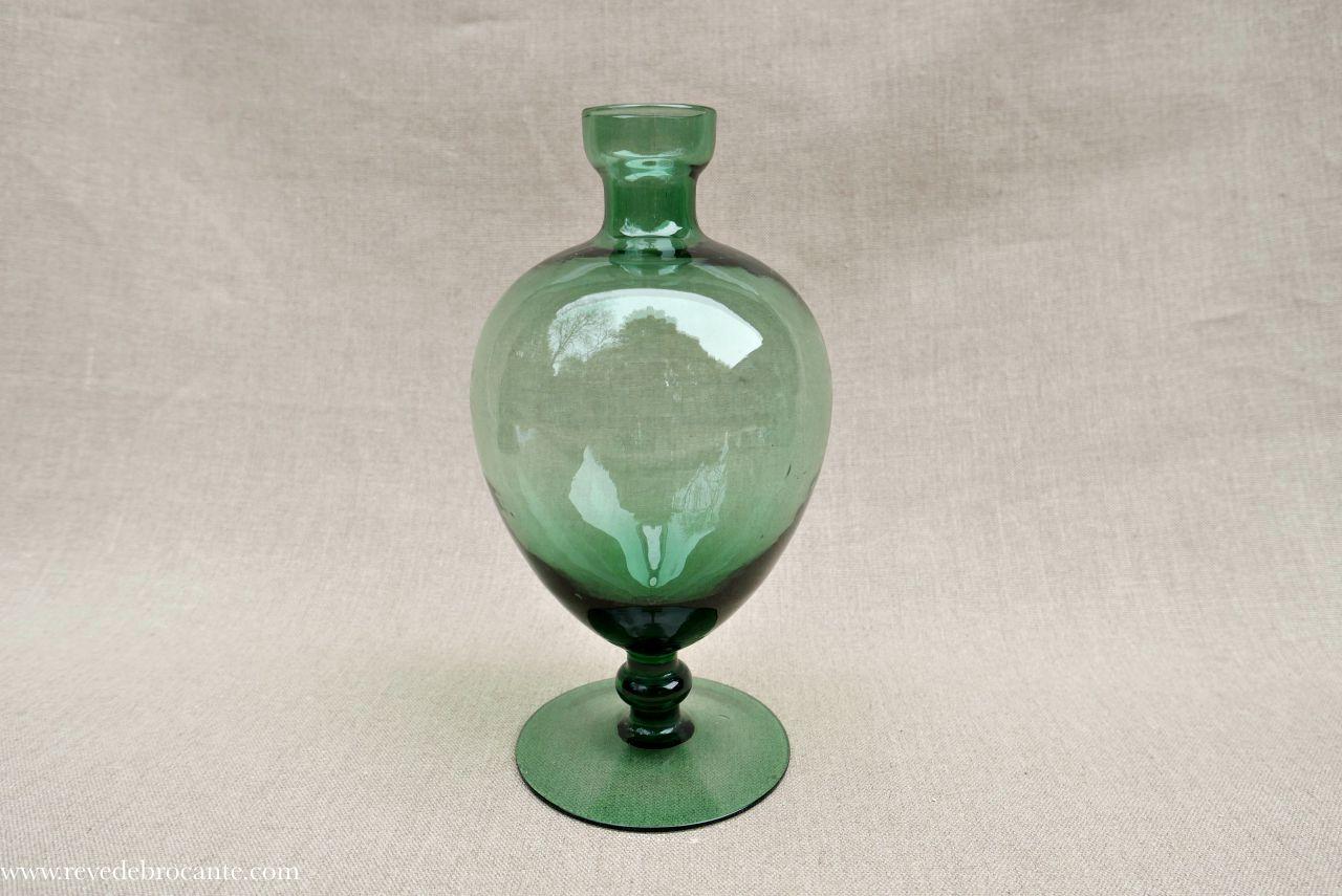 vase en verre souffl. Black Bedroom Furniture Sets. Home Design Ideas