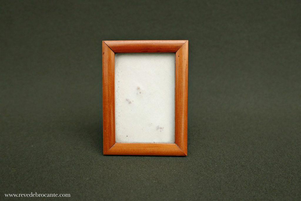 petit cadre photo en bois poser r ve de brocante. Black Bedroom Furniture Sets. Home Design Ideas