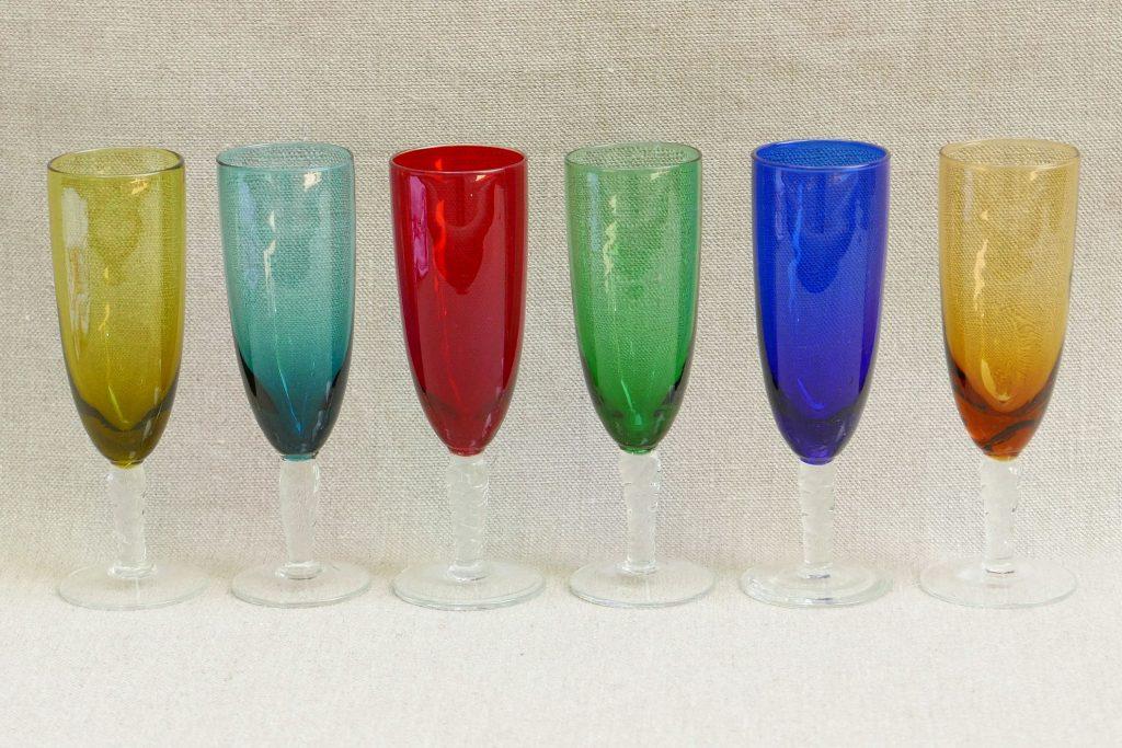 6 flutes champagne de couleur ann es 50 r ve de brocante. Black Bedroom Furniture Sets. Home Design Ideas